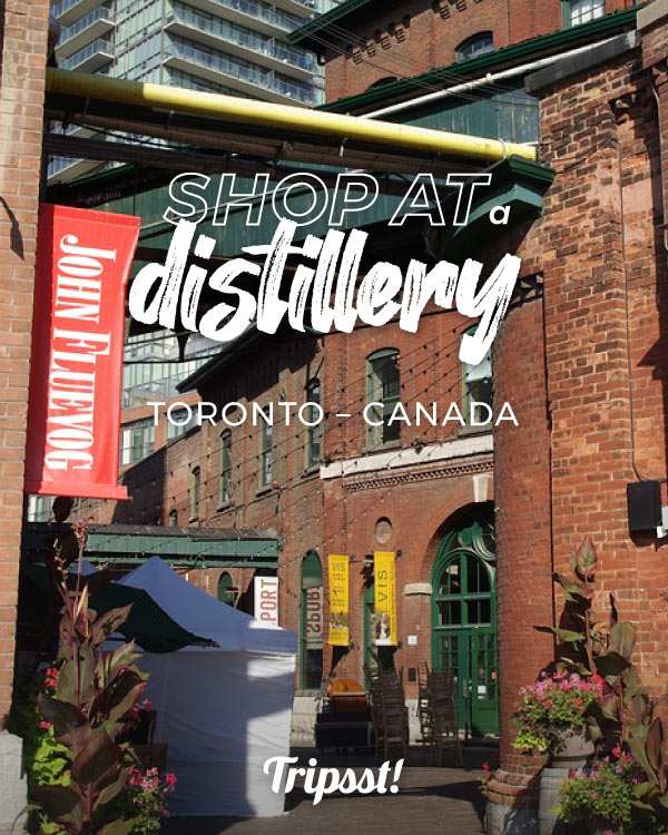 Toronto's sculpture at the entrance of Street of Distillery District