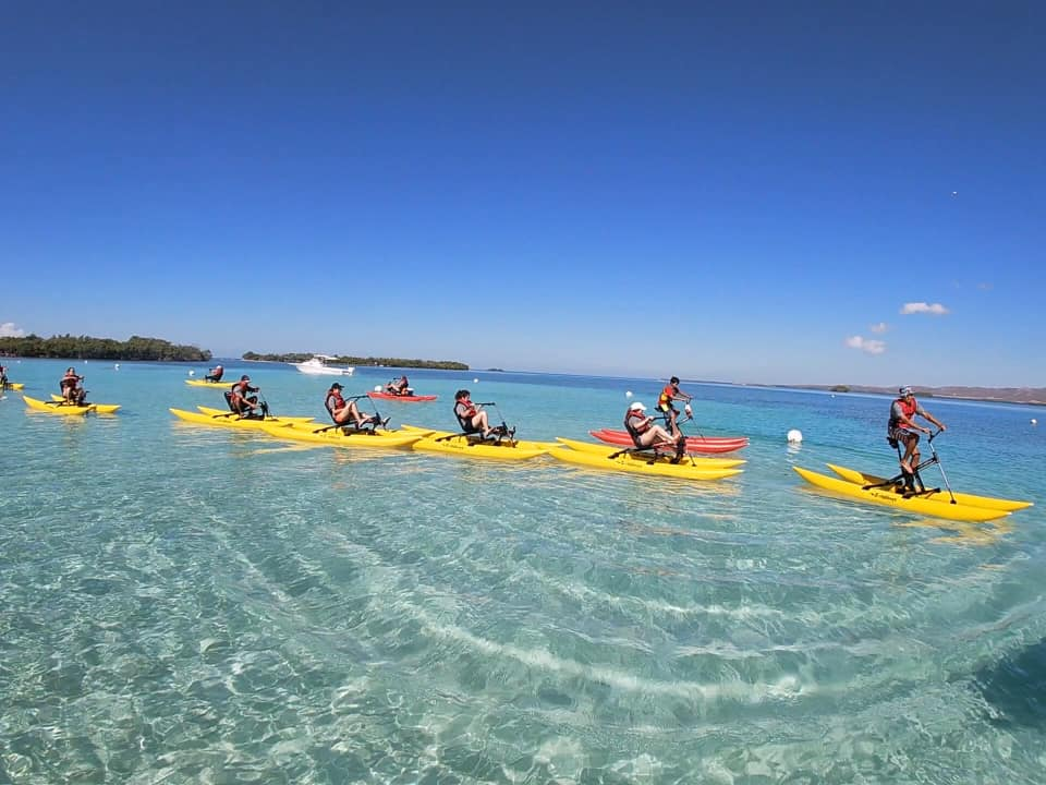 A fun activity under the light of the sun and over crystal waters